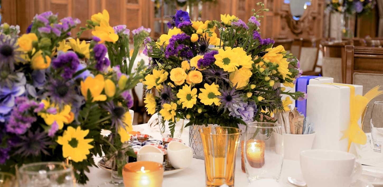 Switzerland Weddings - Tehiya Narvel Events - floral arrangement banquet setting